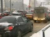 В Центральных регионах России к вечеру снегопад усилится, и обстановка на дорогах станет еще хуже - Первый канал