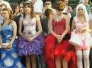 Пусть говорят - Королева школы. В студии пытаются разобраться, почему вчерашние ученицы, выбирая платье для выпускного, делают ставку на эпатаж