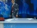 В Греции рейтинг телепередачи побил рекорды после того, как ведущего забросали яйцами - Первый канал