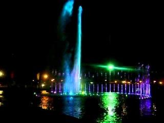 Dancing Fountain in Luneta Park, Manila, Philippines (2)