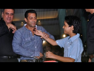 Salman Khan At Prem Chopra's Bash!