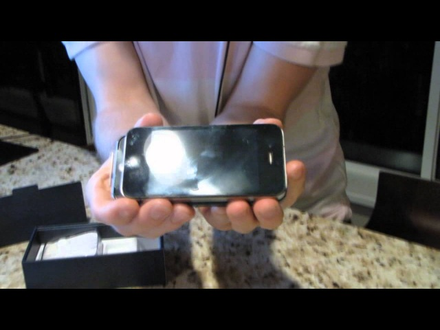 IPhone 5 Unboxing Featuring my Cat The Worst iP5 Unboxing on the Internet Linus Tech Tips