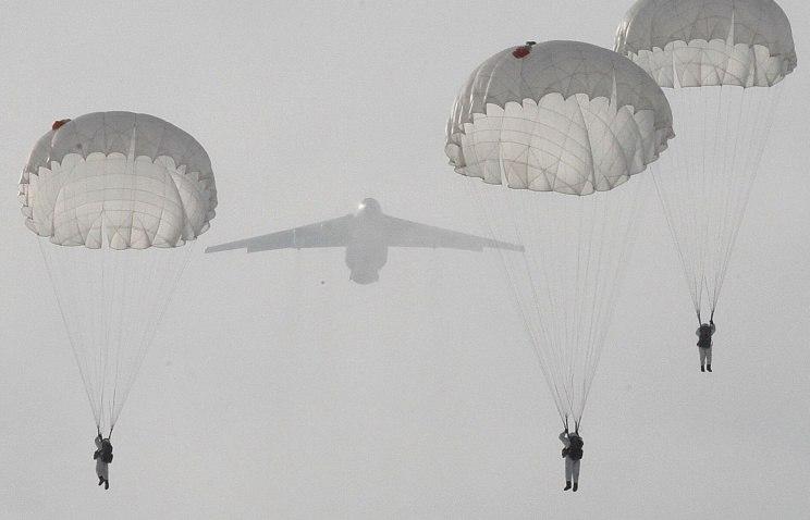1,5 тысячи десантников совершили марш на аэродром погрузки «Таганрог» и отправились на полигон в Костромскую область