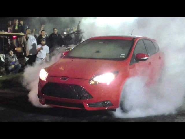 TX2K13 Burnout Contest Ford Focus ST