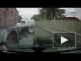 Видео: Волга вылетела на встречку и атаковала джип ...