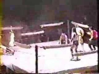 Sabu & Original Sheik vs Atsushi Onita and Tarzan Goto (неуправляемый огонь)
