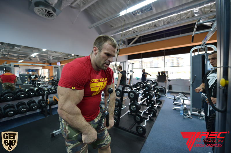 Denis Cyplenkov - triceps pushdown exercise  │ Photo Source: Trec Nutrition