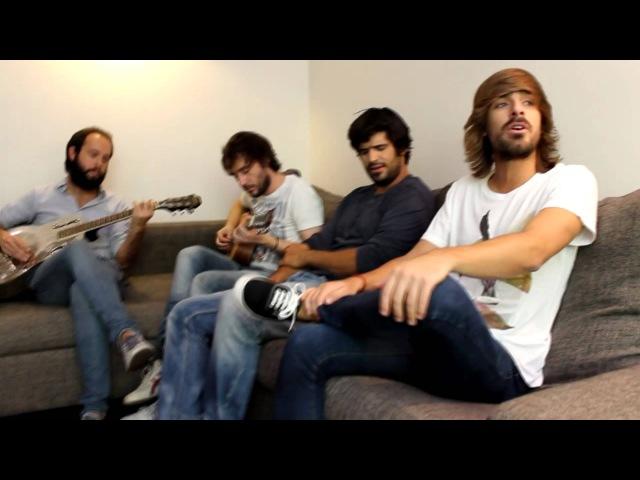 Melocos canta en acústico Pensando en vos para YourWay Magazine.