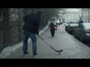 Хоккеист Овечкин подал бабушке апельсинку