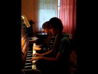Эля и Эля , пианино)) играют на пианино Регтайм  The Entertainer 1902 г. Скотт Джоплин