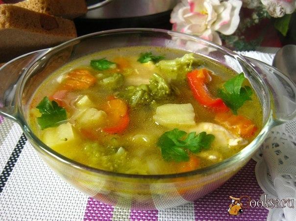 Вкусный суп, приготовленный в мультиварке.