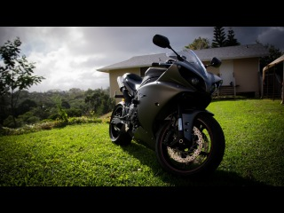 2013 Yamaha YZF R1 Review with Two Brothers Exhaust (start up and walk around)