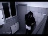 Tuvalette Kız İstediğini Alamayınca Çocuğu Dövüyor.