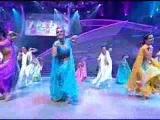 Bollywood Performance (18). Красивый и энергичный Индийский эстрадный танец.