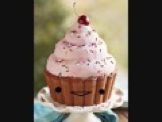 Singing Cup Cake (: