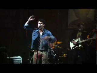 Darren Criss sings Sam cooke's Bring It On Home To Me at the Sayer Club in Hollywood