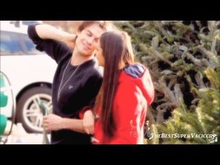 Ian & Nina \\ Shop For A Christmas Tree