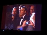 Джордж Клуни спел дуэтом с Нилом Даймондом