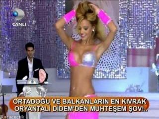 Turkish Belly Dancer - Didem 73