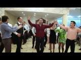танцы на молдавской свадьбе - Сырба и Бэтута (ansamblul Fluieras)