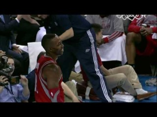 Dwight Howard Passes to an Out-of-Bounds Omer Asik