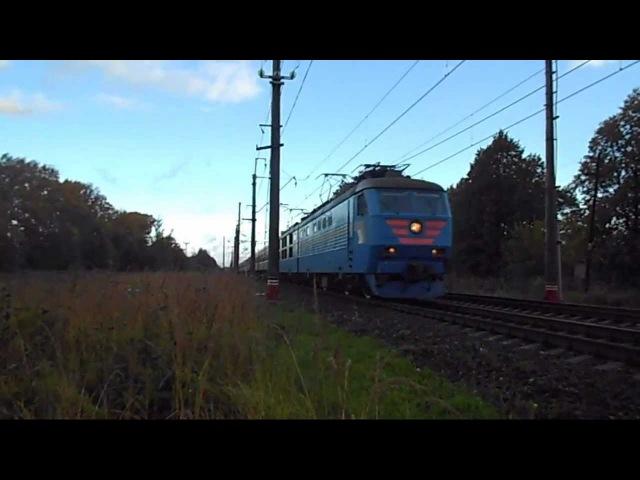Электровоз ЧС6-017 с поездом №017А «Карелия»