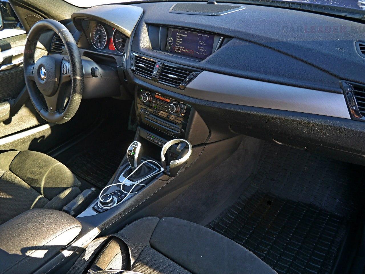 Черные сидения BMW X1 M
