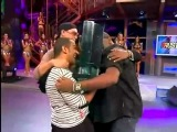 Nana Nassif entrega troféu ao Batuk D Gueto   22 05 2011