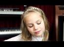 Ева. 8 лет. Первые шаги в игре на гитаре. Занимается вокалом, гитарой, клавишными.