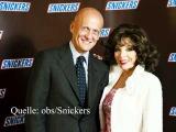 Denver-Star Joan Collins und die Diva Studie von Snickers. Party-Prinz berichtet