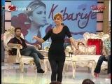 Didem Kinali performing on