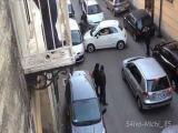 Automobilista Paralizza Traffico a Cardito  Napoli con una Fiat 500