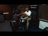 Oleg Sarkisovplays drums in the style of soulMaysaОлег Саркисов