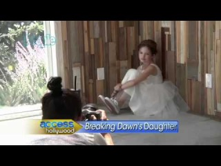 The Twilight Saga: Breaking Dawn - Meet Mackenzie Foy