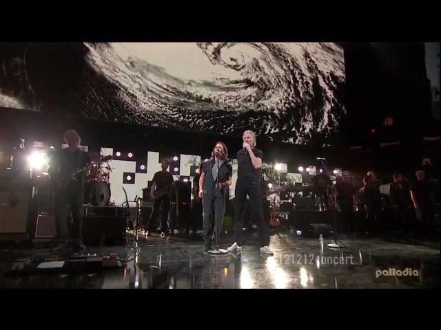 Роджер Уотерс (участник группы Пинк Флойд) на концерте 12-12-12 The Concert for Sandy Relief (12.12.2012)