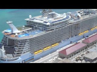 Круизный лайнер - Allure of the Seas, съемка с воздуха!