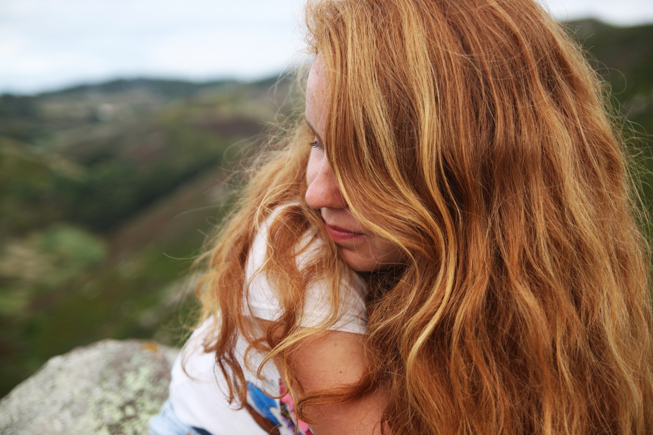 Рыжие целуются фото, Рыжеволосые очаровательные девчонки страстно 23 фотография