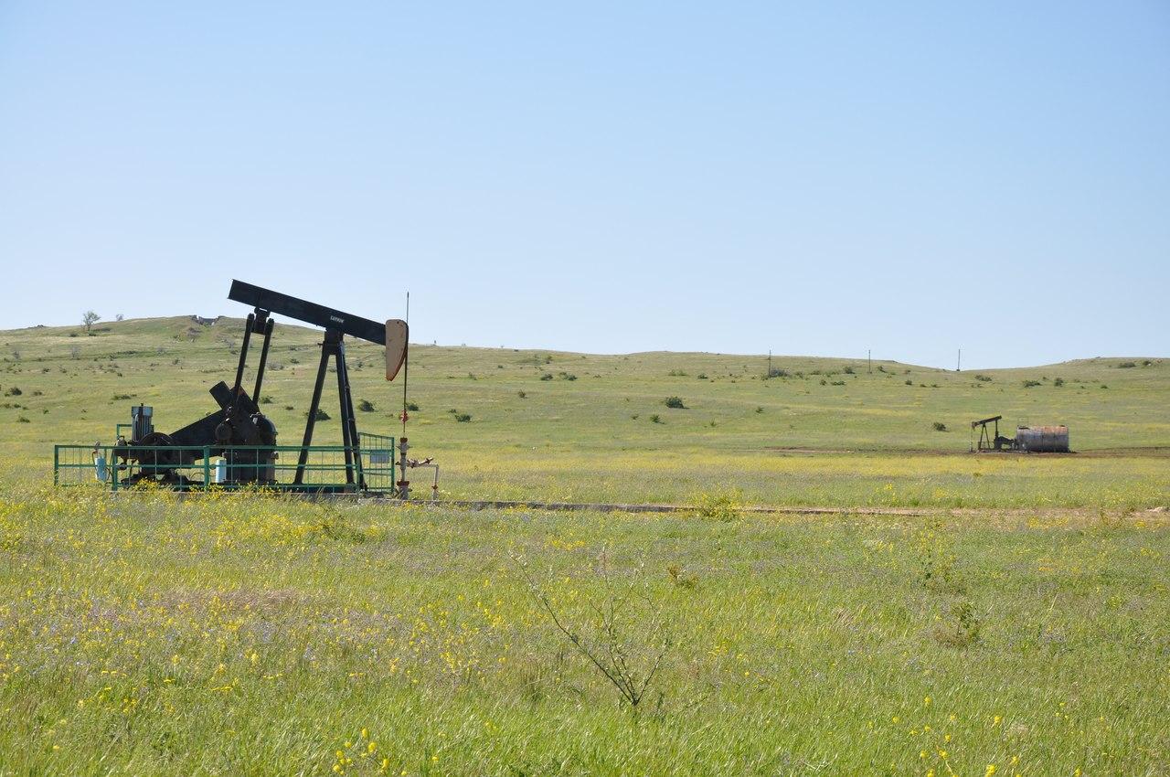 Добыча нефти на полуострове Казантип