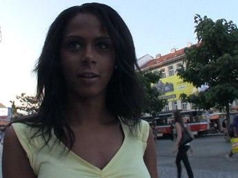 PublicAgent  Isabella E01