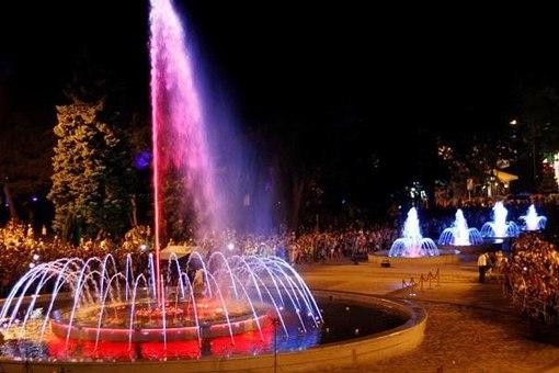 Волшебный танец воды в городе курорте