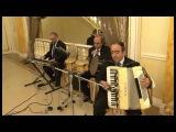 Армянский музыкант в Москве, Аккордеонист Артём Арутюнян, Трио