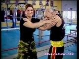 Джина Карано показывает запрещённые в ММА приёмы на Кевине Россе под присмотром мастера Тодди