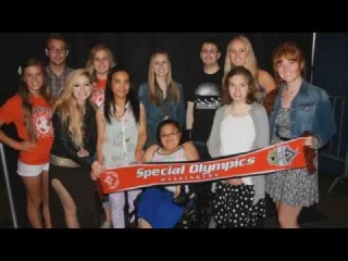 Help Avril Lavigne Support Special Olympics For Her Birthday!