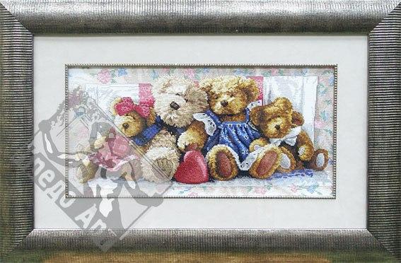 семья плюшевых медведей.