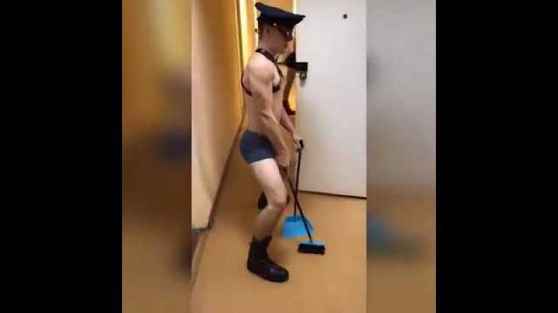 Эротический клип от курсантов военного училища.