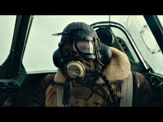 Бой в воздухе. Лётчик Фэрриер (Том Харди) подбивает бомбардировщик Хейнкель. Дюнкерк. 2017