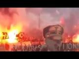 Ultras en Sudán exhiben una pancarta con la imagen de Hitler y la palabra holocausto