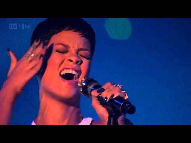 Rihanna - Stay / We Found Love (Live)