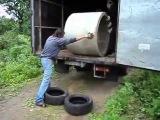 Как выгрузить бетонное кольцо - вообще ни разу не сломав