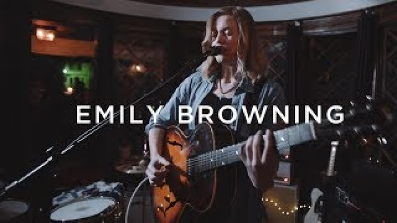 Emily C. Browning performs 'Lover' | PickUp Show